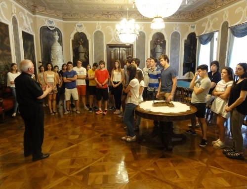 Obisk maturantov iz Argentine pri gospodu nadškofu Stanislavu Zoretu