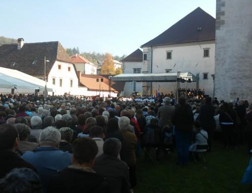Slovensko praznovanje 100. obletnice Marijinih prikazovanj v Fatimi