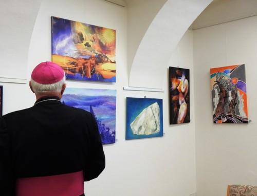 Maša ob kulturnem prazniku in razstava Umetniki za karitas