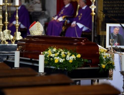 Maša zadušnica za + nadškofa Alojza Urana 18. julija zaradi koronavirusa odpovedana