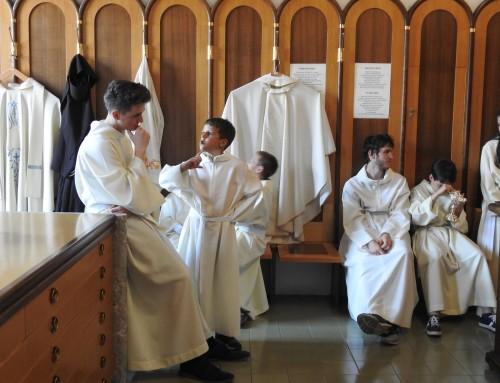 Nadškof voščil gasilcem in ministrantom ter povabil k molitvi ob prošnjih dnevih